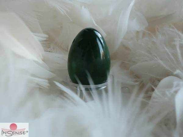 "Yoni-Ei Polar Jade (Nephrit) - Größe ""M"" gebohrt"