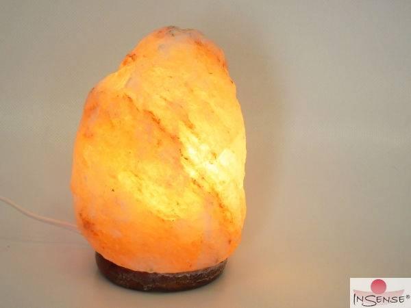 himalaya salzkristall lampe mit holzsockel leuchten kerzen tantra ritual zubeh r herz. Black Bedroom Furniture Sets. Home Design Ideas
