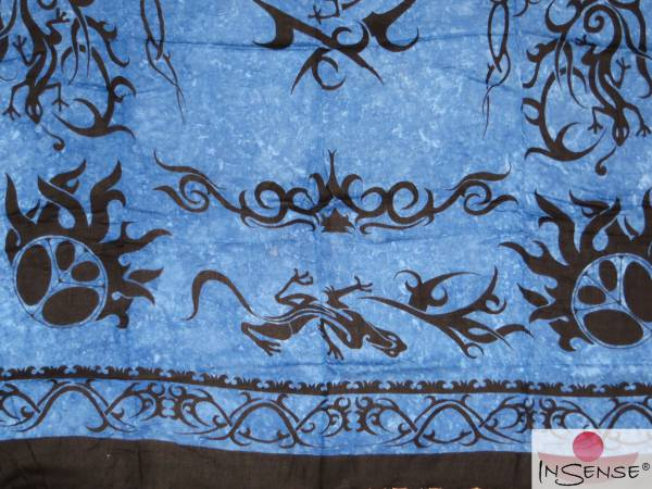 "Lunghi | Sarong ""Geckos in Change"" - blau"