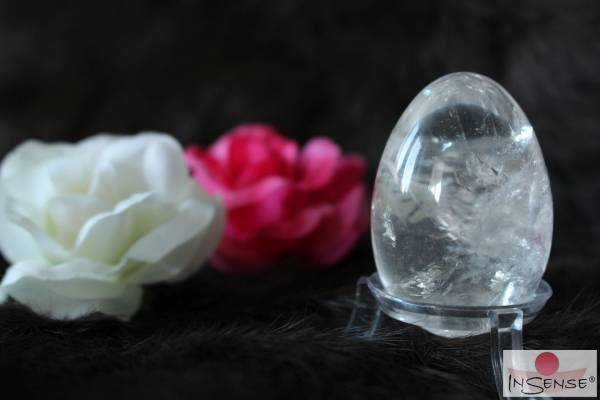 """Yoni-Ei Bergkristall - Größe """"S"""" gebohrt"""