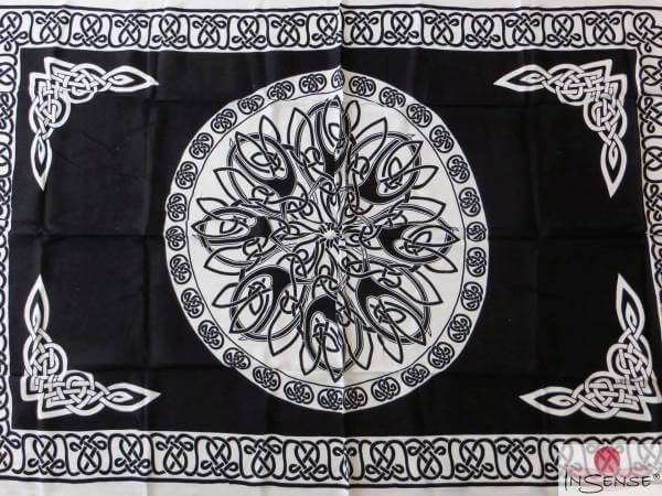 "Lunghi | Sarong ""Celtic Ornament black & white"""
