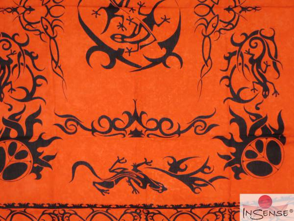 "Lunghi | Sarong ""Geckos in Change"" - orange"